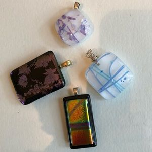 Lot of 4 pendants